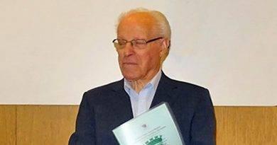 Mons. Salvador Parente