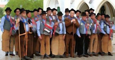 O Cante Alentejano - constitui uma das mais eminentes feições da nossa música vocal tradicional