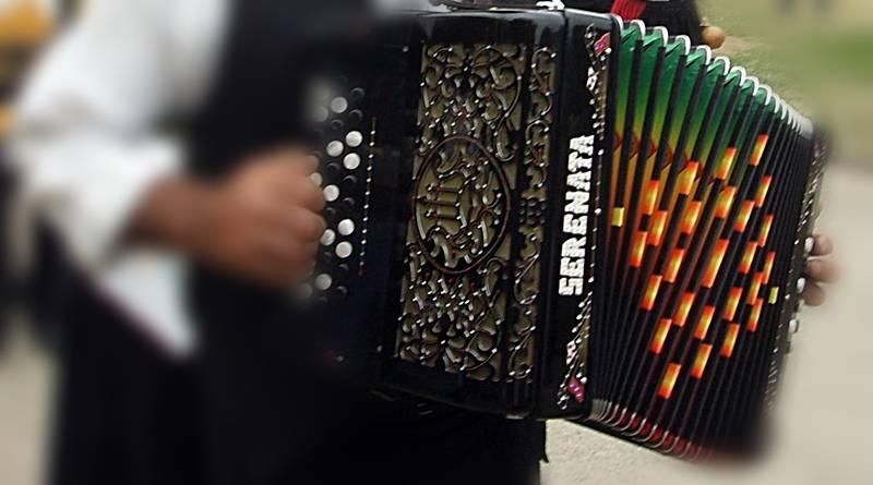 A concertina é um instrumento popular que teve a sua origem na Europa por volta de 1830