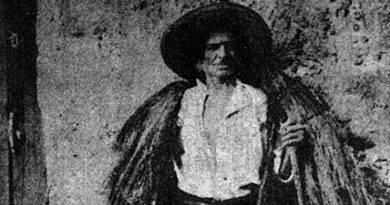 Trajos tradicionais: peças, calçado e adereços - O chapéu