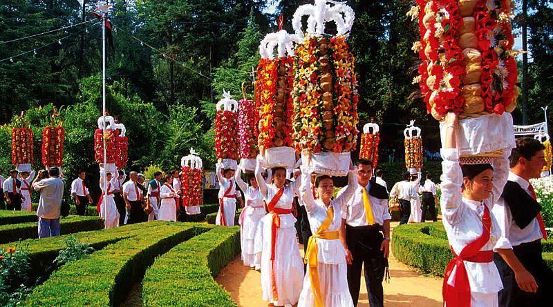 A centenária Festa dos Tabuleiros em Tomar
