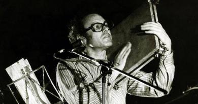 A música de intervenção foi influenciada pelo folclore | Zeca Afonso
