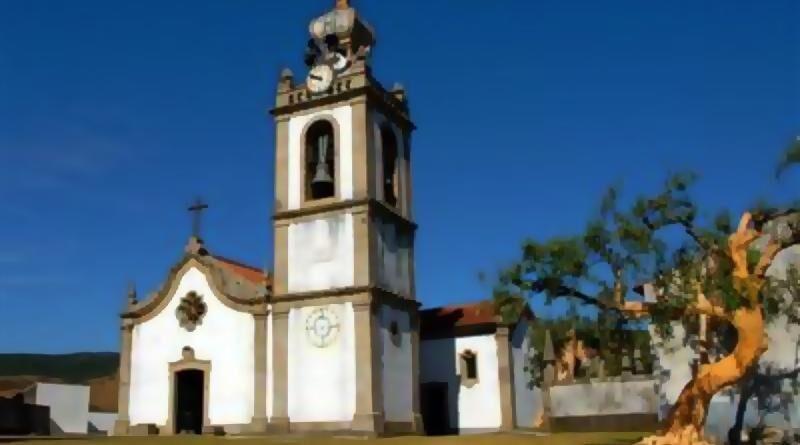 Capela de Nossa Senhora do Azevedo - Igreja Paroquial de Cabração